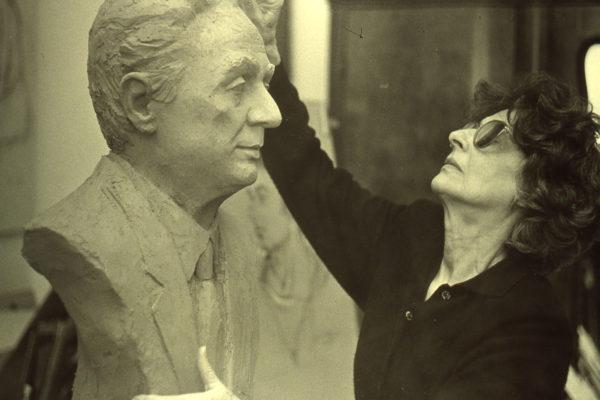 """Cento anni di Anna Cabras Brundo: a Cagliari la mostra """"Non solo muse. Arte al femminile"""""""