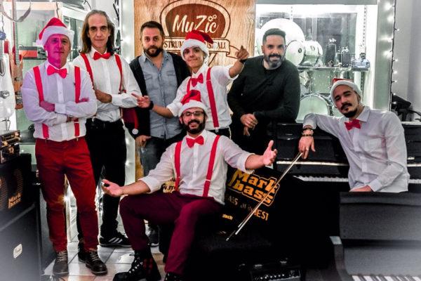 """Gli Almamediterranea pubblicano il singolo """"Natalando"""" per celebrare le festività natalizie 2020"""