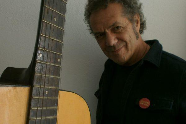 """È uscito """"MIRAU QUE SEM ANANT I MIRANT"""", il nuovo disco del cantautore algherese Claudio Gabriel Sanna"""